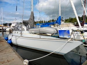Used Yankee 38 Racer and Cruiser Sailboat For Sale
