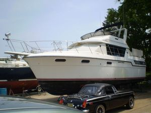 Used Carver 38 Aft Cabin Motor Yacht For Sale