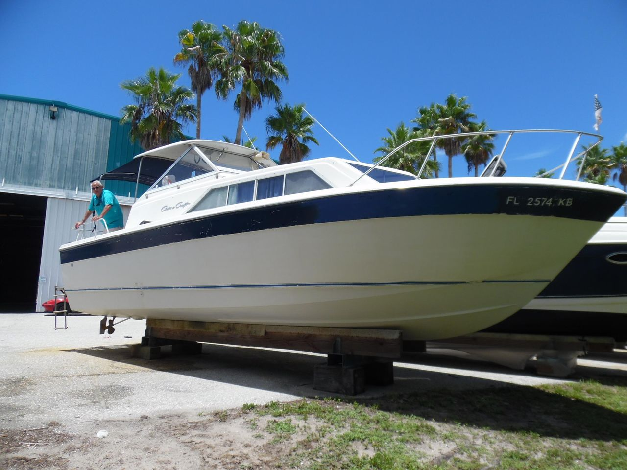 1979 Used Chris-Craft 28 Catalina Express Cruiser Boat For