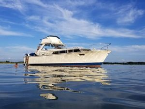 Used Chris-Craft 38 Commander Cruiser Boat For Sale