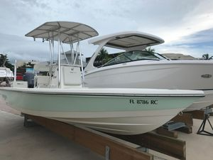 Used Pathfinder 2200 TRS Center Console Fishing Boat For Sale