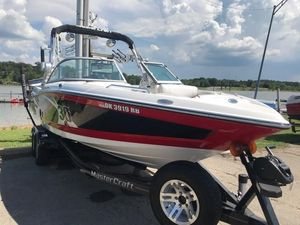 Used Mastercraft X30 High Performance Boat For Sale