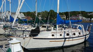 Used Pacific Seacraft Crealock 37 Cutter Sailboat For Sale