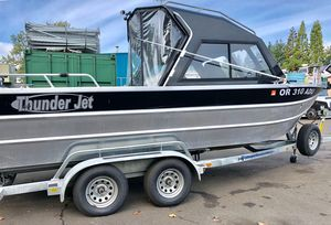 Used Thunder Jet Luxor OB OS Sports Fishing Boat For Sale