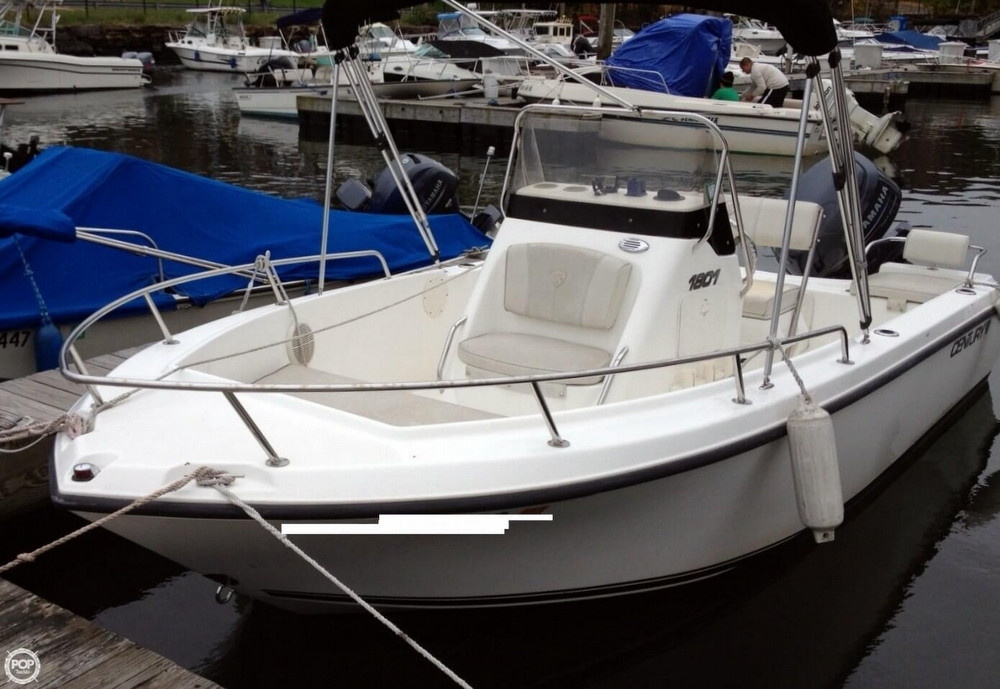 2005 Used Century 1801 Cc Center Console Fishing Boat For