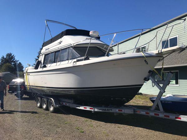 Used Carver 28 Voyager Flybridge Boat For Sale