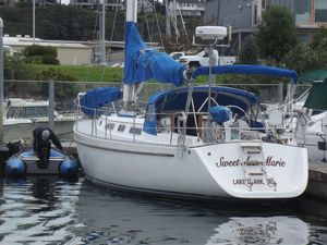 Used Freedom 38 Sloop Sailboat For Sale