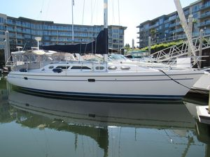 Used Catalina 390 Sloop Sailboat For Sale