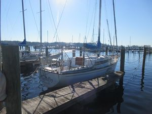 Used Pearson 323 Daysailer Sailboat For Sale