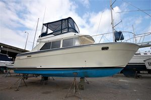 Used Tollycraft 30 Sport Cruiser Convertible Fishing Boat For Sale