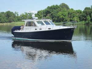 Used Mariner Seville 37 Downeast Express Trawler Boat For Sale