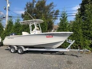 Used Sportsman 231 Heritage Center Console Fishing Boat For Sale