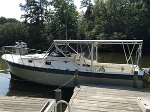 Used Alura 30 Express Cruiser Boat For Sale