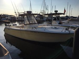 Used Pursuit 2670 Center Console Sports Fishing Boat For Sale