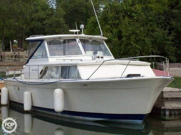Used Chris-Craft 31 Commander Express Antique and Classic Boat For Sale