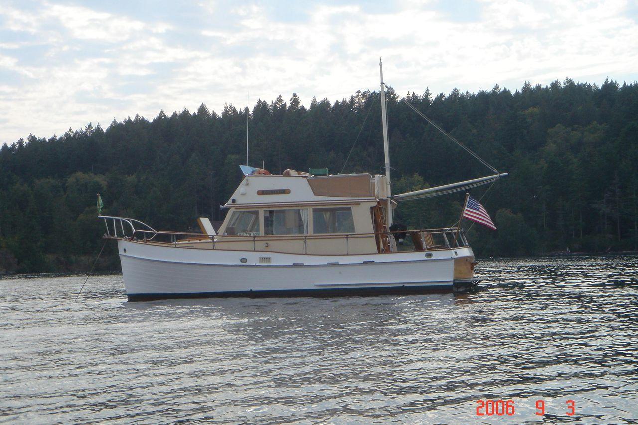 Banks For Sale >> 1972 Used Grand Banks 32 Sedan Motor Yacht For Sale