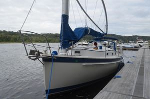 Used Hinterhoeller Nonsuch 33 Cruiser Sailboat For Sale