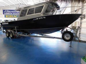 Used Kingfisher 2825 Coastal Express Pilothouse Boat For Sale