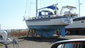 Used Endeavour CC Sloop Sailboat For Sale