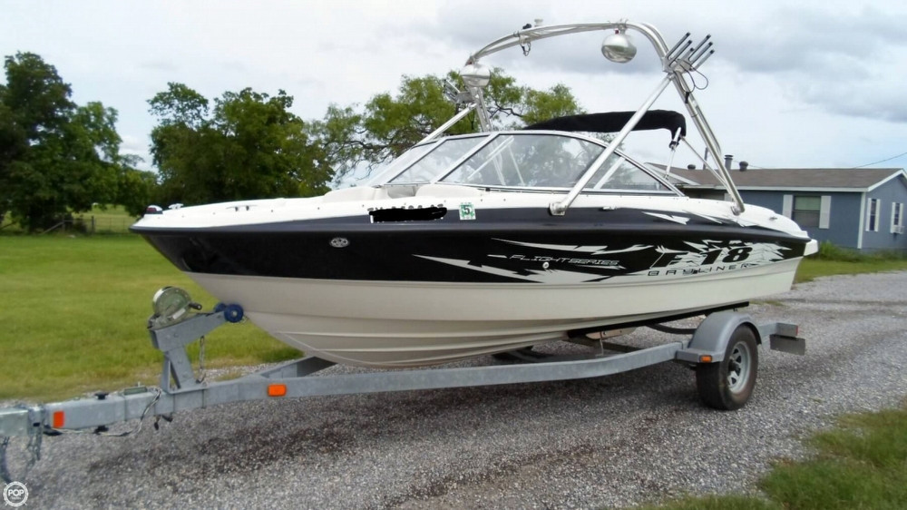 Used Bayliner 185 F-18 Flight Series Bowrider Boat For Sale