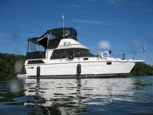 Used Cooper Prowler 9M Flybridge Boat For Sale