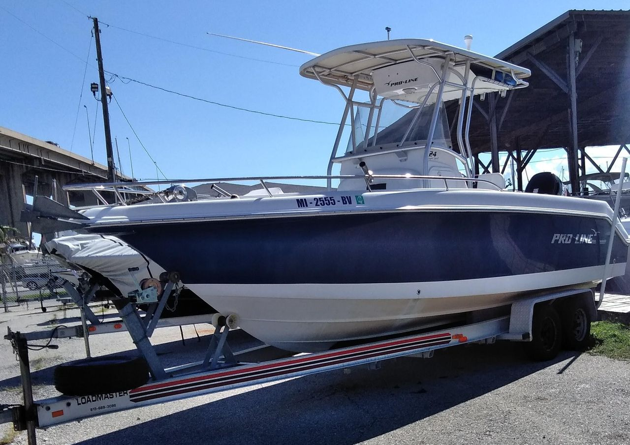 2007 Used Pro Line 24 Super Sport Center Console Fishing Boat For