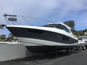 New Cruisers Yachts 45 Cantius Motor Yacht For Sale