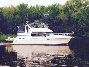 Used Carver 406 Aft Cabin Sports Cruiser Boat For Sale
