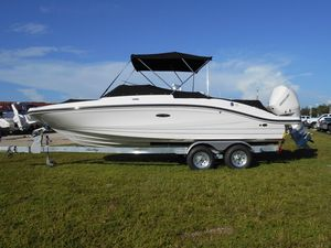 New Sea Ray SPX 210 Outboard Bowrider Boat For Sale