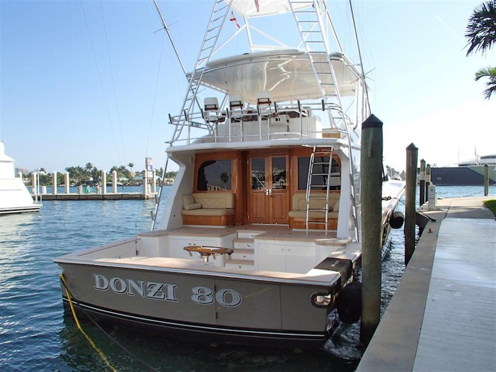 2010 used donzi convertible fishing boat for sale fort for Used fishing boats