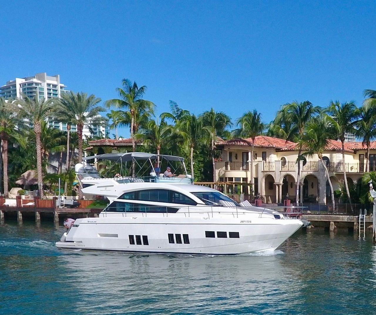 53539de7353a7 2012 Used Fairline Squadron 50 Motor Yacht For Sale -  599