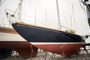 Used Hinckley Bermuda 40 MK III Sloop Sailboat For Sale