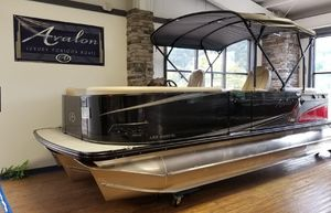 Used Avalon LSZ Quad Lounger - 24' Pontoon Boat For Sale