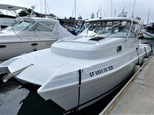 Used Glacier Bay 2670 Isle Runner Express Cruiser Boat For Sale