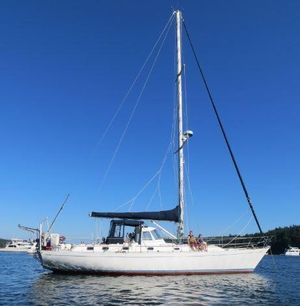Used Hylas 44 Center Cockpit Cutter Sailboat For Sale