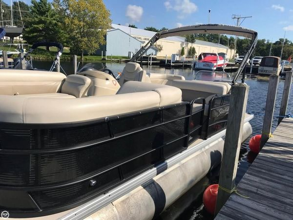 Used Sweetwater 2286 SB/TT-27 Pontoon Boat For Sale