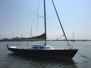 Used Lyman-Morse Esailing Yachts E33 Daysailer Sailboat For Sale