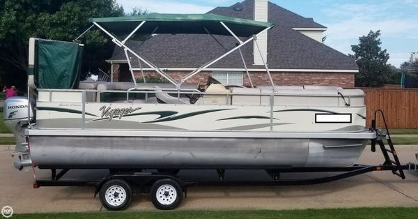 Used Voyager 22 Sport Cruiser Pontoon Boat For Sale