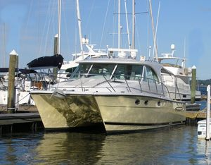 Used Glacier Bay 3480 Enclosed Pilot/salon Power Catamaran Boat For Sale