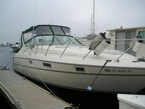 Used Maxum 3200scr Express Cruiser Boat For Sale