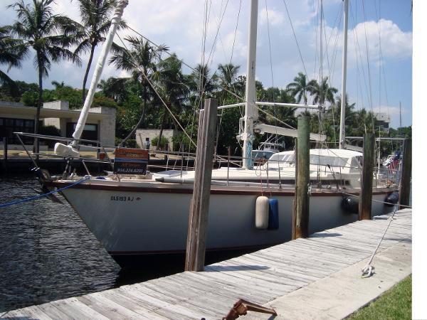 Used Amel Super Maramu-53 Ketch Sailboat For Sale