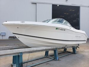 Used Robalo R207 Power Catamaran Boat For Sale