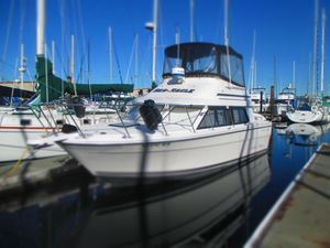 Used Bayliner 2858 Classic Cruiser Boat For Sale