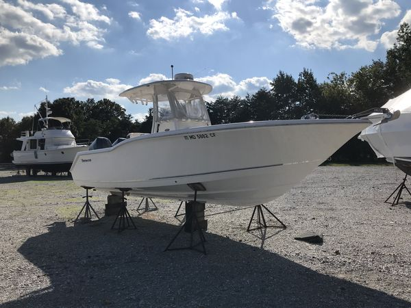 Used Tidewater Boats 250 CC Center Console Fishing Boat For Sale