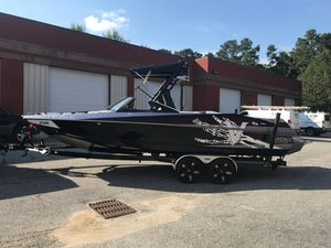 Used Axis Wake Research A24 Vandall High Performance Boat For Sale