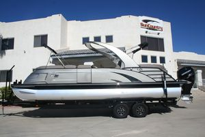 Used Bennington 25 QX25 QX Pontoon Boat For Sale