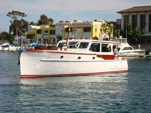 Used Matthews 40 Stock Cruiser Motor Yacht For Sale