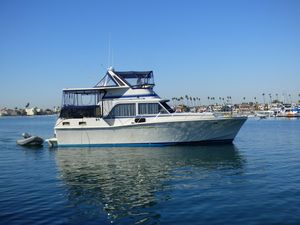 Used Uniflite Aft Cabin Motor Yacht Aft Cabin Boat For Sale