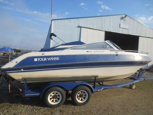 Used Four Winns 205 Sundowner205 Sundowner Cuddy Cabin Boat For Sale