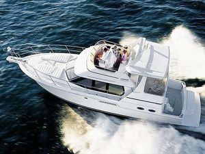 Used Carver 404 Cockpit Motor Yacht Motor Yacht For Sale